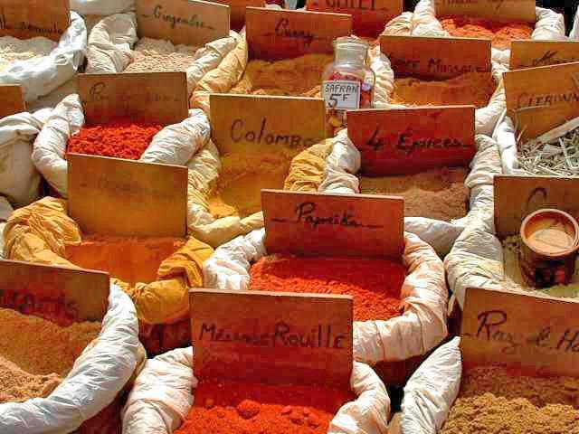 photo credit: St Tropez, le marché via photopin (license)